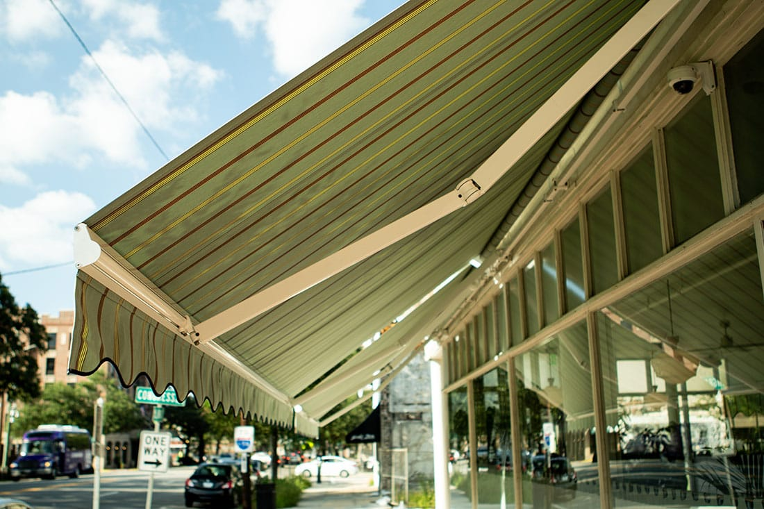 Residential retractable awnings savannah