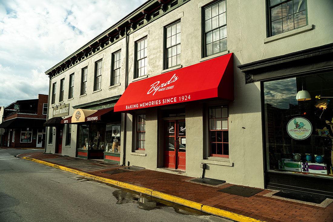 restaurant awnings savannah georgia