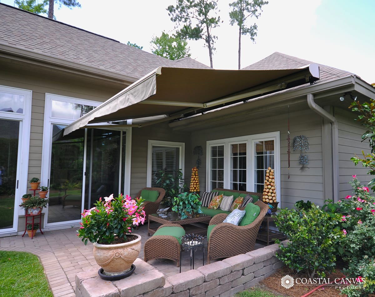 retractable awnings cost